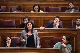 """Podemos exige a Rajoy """"que se tome en serio la democracia"""" y no bromee sobre la moción de censura"""