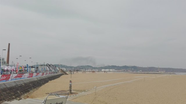 Nube de carbón en Gijón, Puerto de El Musel