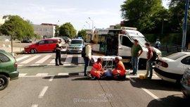 Sucesos.- Herido leve un ciclista tras chocar contra un turismo en un carril bici de la Cartuja
