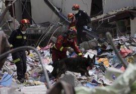 Correa dedica sus últimos tuits a los damnificados por el terremoto en Ecuador