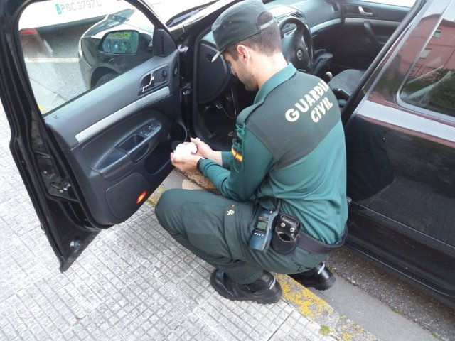 Detenido por tráfico de drogas un vecino de Meis (Pontevedra).