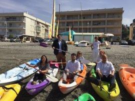 Junta, ayuntamientos y empresas de la Costa de Granada se alían para atraer turistas no solo en verano