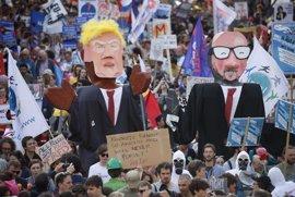 Unas 9.000 personas protestan en Bruselas contra la visita de Trump