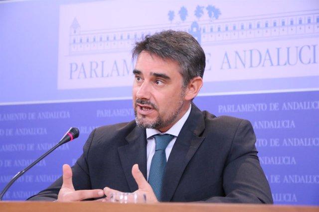 El diputado de Podemos Andalucía Juan Ignacio Moreno Yagüe en rueda de prensa