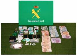 Detenidos dos hombres y dos mujeres por tráfico de drogas, tras registros en Parla e Illescas