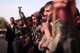 Los rebeldes sirios urgen a Estado Islámico a rendir Raqqa antes de que acabe mayo