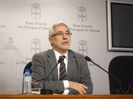 Llamazares vincula la dimisión de Blanco a las primarias del PSOE y pide a Fernández que remodele el Gobierno