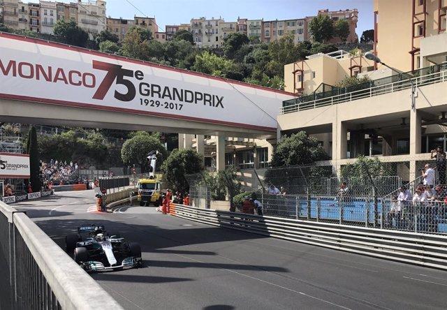 Lewis Hamilton rueda en Montecarlo