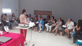 El Hospital de Poniente acoge una edición de la Escuela de Pacientes sobre cáncer de mama