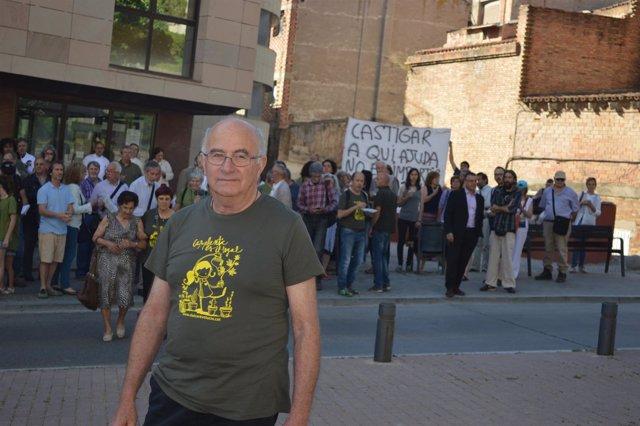 El horticultor Josep Pàmies dirigiéndose a los juzgados de Lleida