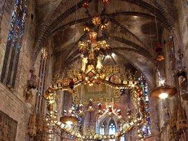 La Catedral de Palma estrena un bucle magnético para facilitar el acceso al culto a personas sordas