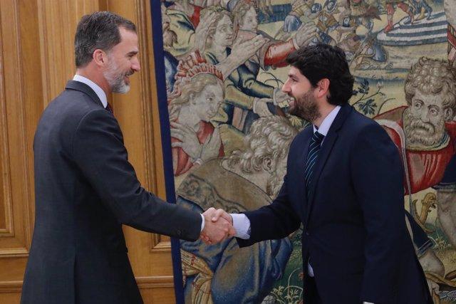SM El Rey Don Felipe y Fernando López Miras
