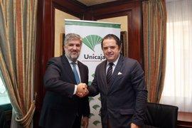 Unicaja Banco y Asaja-Málaga fiman un acuerdo de colaboración para asesorar en el anticipo de las ayudas PAC