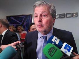 Méndez de Vigo defiende que el teléfono contra el acoso debe dar buen servicio ante quejas laborales de empleados