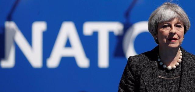 Theresa May en la OTAN
