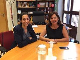 Armengol recibe a la candidata por el Partido Socialista a las legislativas francesas Gabrielle Siry-Molina