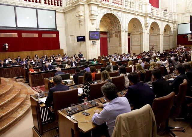 Votación en el Pleno del Parlamento andaluz
