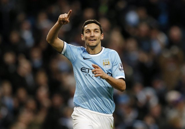 Jesús Navas con el Manchester City
