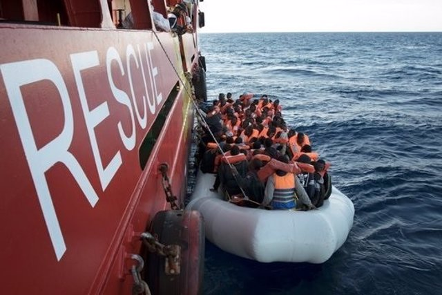 Rescate de inmigrantes y refugiados por parte de MSF en el Mediterráneo