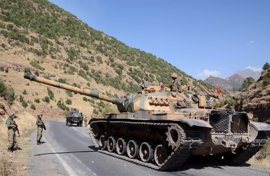 Mueren ocho miembros de las fuerzas de Turquía y 15 miembros del PKK en combates y bombardeos