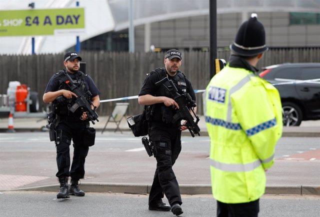 Policía armada en Manchester tras el atentado