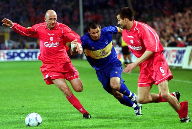 Javi Moreno en la final de la UEFA 2001 entre Alavés y Liverpool