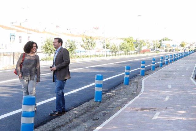 Antonio Conde y Otilia Padial visitan unas obras de reasfaltado