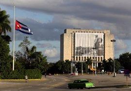 Senadores de EEUU proponen eliminar todas las restricciones de viajes a Cuba
