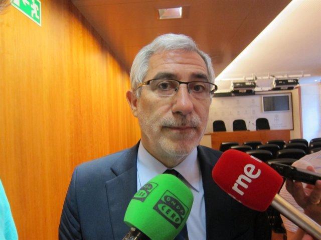 El portavoz de IU en la Junta General del Principado, Gaspar Llamazares.