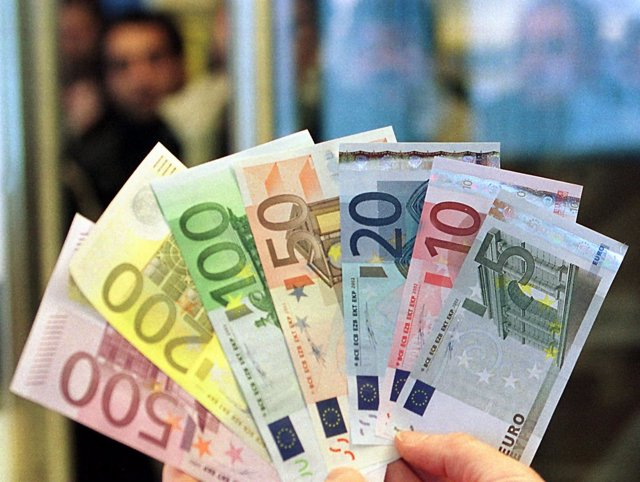 BIlletes de 5, 10, 20, 50, 100, 200 y 500 euros