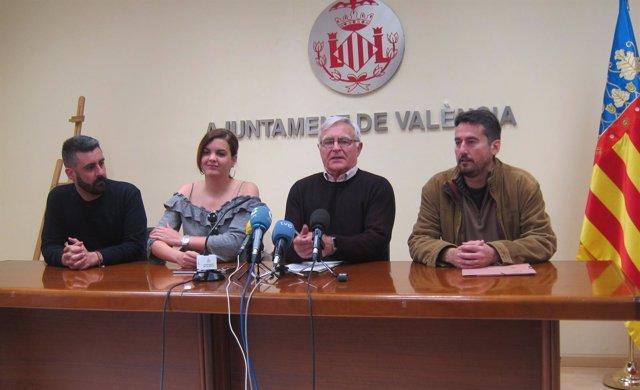 Ribó junto a los portavoces de su equipo de gobierno: Fuset, Gómez y Peris