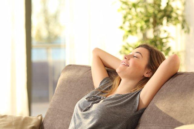 Resultado de imagen para mujer, el estrés aumenta el riesgo de ictus