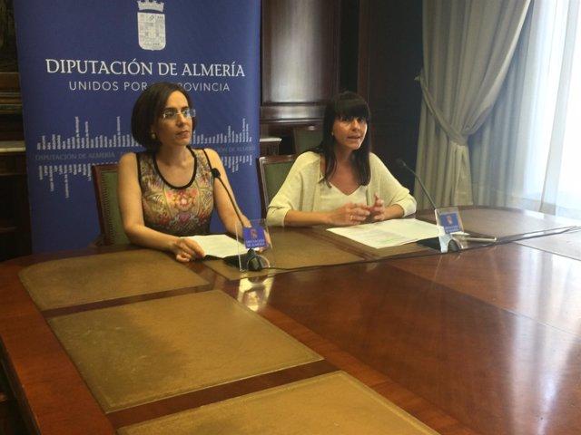 La diputada de Igualdad y la presidenta de Almur han presentado las jornadas.