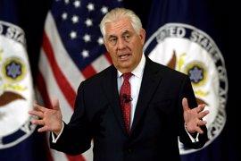 """Tillerson dice que EEUU asume """"plena responsabilidad"""" por las filtraciones de la investigación británica"""