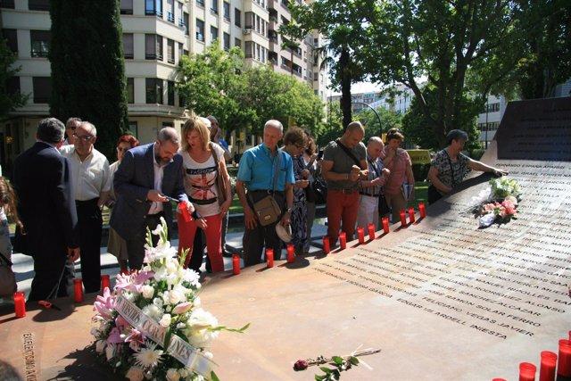 Homenaje de la Asociación de Familiares de Víctimas del Yak42.
