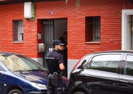 La Policía apunta a un suicidio en el caso de la mujer hallada muerta en una vivienda de Sevilla
