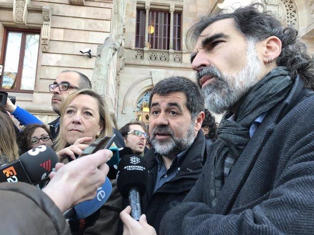 Neus Lloveras (AMI), Jordi Sànchez (ANC) y Jordi Cuixart (Òmnium)