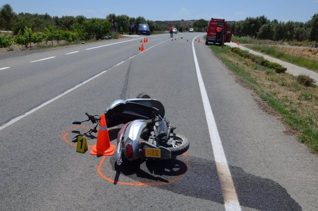 Dos motoristas heridos en una colisión en Ablitas