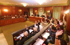 El Pleno de Marbella aprueba el acuerdo para mantener abierta el aula de la UNED