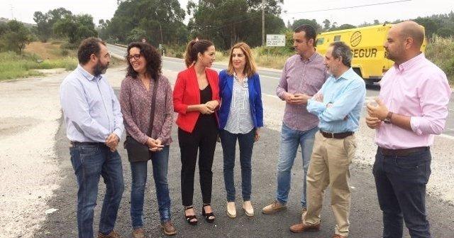 La parlamentaria andaluza Manuela Serrano en Zalamea La Real.