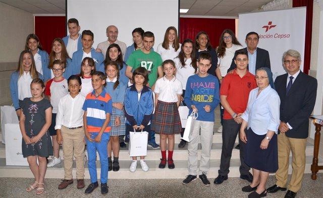 Escolares premiados por la Fundación Cepsa.