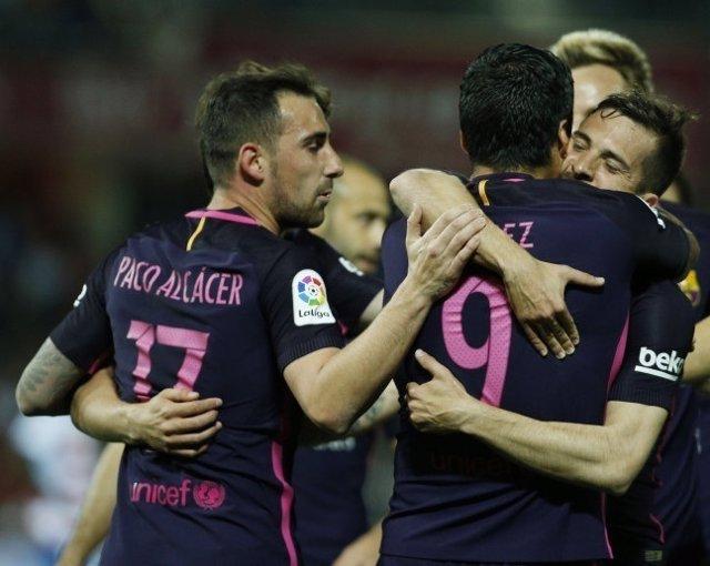 Paco Alcácer celebra un gol con el FC Barcelona