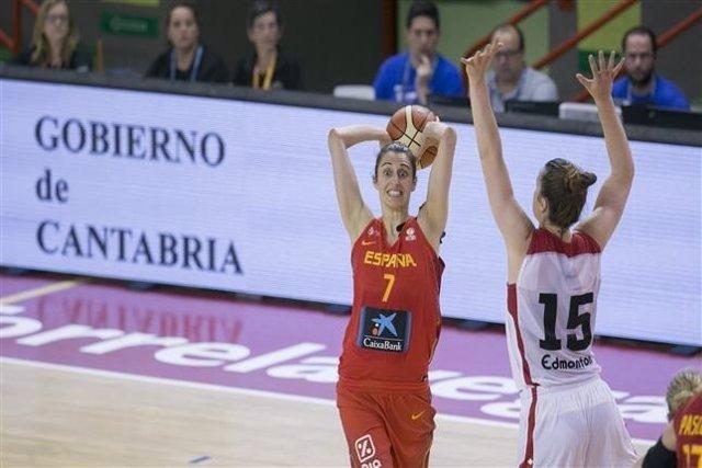 Alba Torrens con la selección española de baloncesto femenino