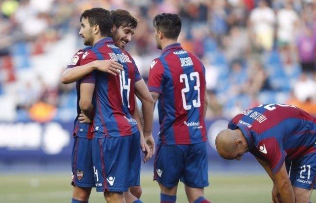 El Levante celebra un gol en el Ciutat de Valencia
