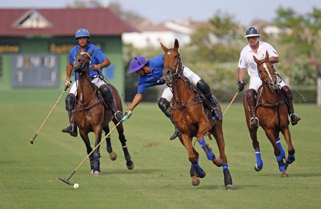 Fwd: Np + Foto Santa María Polo Club (Vi Torneo La Quinta)
