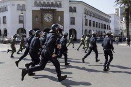 Policía y activistas se enfrentan en Alhucemas tras el intento de arresto del activista Naser Zefzafi
