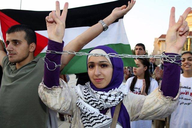 Manifestación A Favor De Los Presos Palestinos En Huelga De Hambre