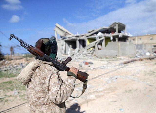 Miembro de las fuerzas del este de Libia