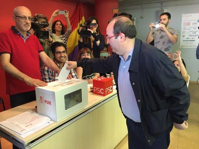 Miquel Iceta (PSC) vota en las primarias del PSOE a secretario general