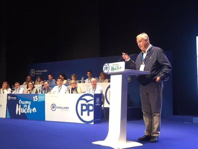 Javier Arenas en el Congreso del PP en Islantilla.
